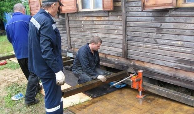Как подвести фундамент под дом?