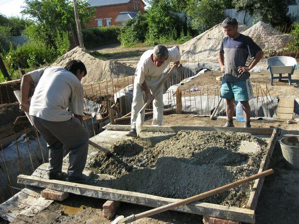 Как месить бетон. Замешиваем бетон самостоятельно