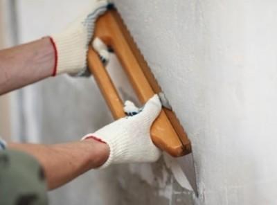 Выравнивание стен своими руками. Какие смеси выбрать для выравнивания стен. Как самостоятельно выровнять стены.